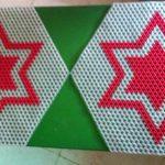 Triple white and red colour star design hexagonal mat